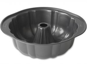 wilton-9-75x3-38-inch-fluted-tube-pan-side-4-3